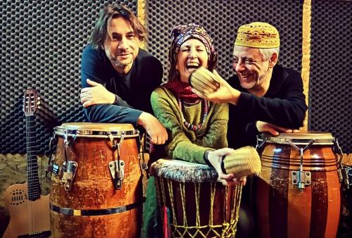 Acoustic Time Trio (Antonella Vitale VOCE - Roberto Genovesi CHITARRA - Ruggero Artale PERCUSSIONI